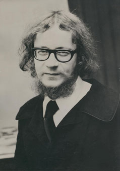 Polish Theatre Practitioner Jerzy Grotowski 1933 1999 Is Best Known For His Intense Actor Training Processes In The 1960s And 70s